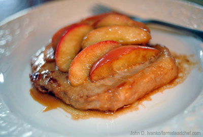 brandy-apple-pork-chops_400